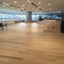 Floorrich Engineered White Oak installed with horizontal laying pattern in commercial building
